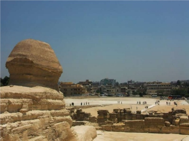 Sphinx-ul ne priveste ...
